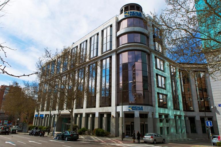 Brillante inauguraci n de la nueva sede social de reale seguros en madrid inese - Reale seguros oficinas ...