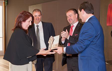 ANACOSE entrega el 'X Premio Francisco Javier' a la periodista Elena Benito